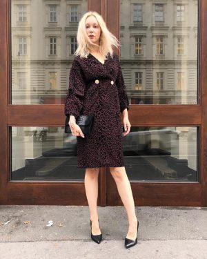 #lookoftheday ❤️ Ingrid #wearing a #newin #cocktaildress by #elliwhiteparis for €79,- at #magazinamgetreidemarkt today 👌🏻 #fw18 #newarrivals...