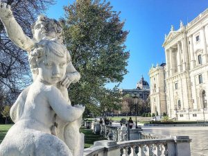 #ysbh #wien #vienna #dreamtrips #austria Schmetterlinghaus Hofburg