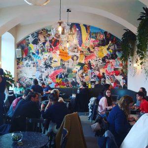 Big Probz to @alexanderqueisser for this amazing wall. Cheers #drechsler#drechsler_wien#restaurant#art#artist#pic#photooftheday#photography#picoftheday#picture#instagram#instagood#blogger#alexanderqueisser#wienzeile#wien#austria#love#kunst Drechsler