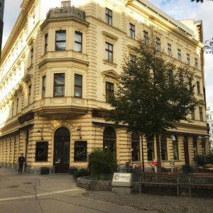 Favorite place! Café Sperl seit 1880 ☕️ #vienna #austria #cafesperl