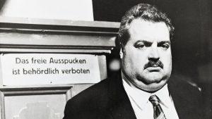 In diesem Live-Mitschnitt aus dem Jahr 1970 liest Helmut Qualtinger in unverblümt schnoddrigem Ton aus Ödon von...
