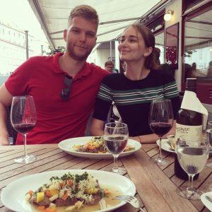На тарелках #tafelspitz , в бокалах #zweigelt , знакомимся с австрийской кухней. Все ...
