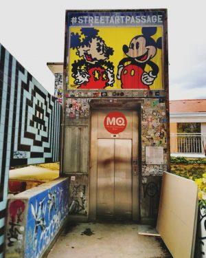 Streetartpassage #streetartvienna #mq #mqwien #museumsquartier #igersvienna #igerswien #mitteninwien #wienstagram #wiengeht #wienzufuss #walkingvienna #mickeymouse #wallpainting #painting #wallart #art...
