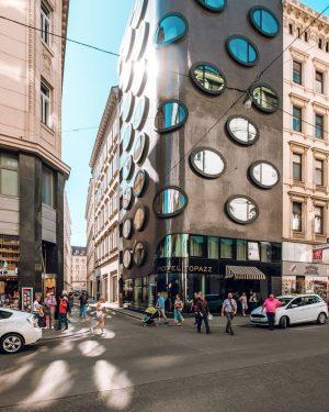 От природы к архитектуре. В 2012 году при содействии местного архитектурного бюро BMW (судя по всему не...