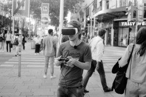 Virtual reality in reality #35mm #wienanalog #streetsofvienna #HexarAF #analog #streetphotography #filmcommunity #KonicaHexarAF #FujiAcros100 #Acros100 #streetshot #filmisnotdead #virtualreality...