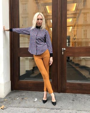 #lookoftheday ❤️ Ingrid #wearing a #blouse for €59,- by #elliwhite and #pants for €69,- by #meyitalia today...