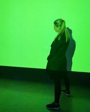 #wien #mumok #gallery #artgallery #modernart #light #sound #effect #green #instalacion #minimalism #museumday