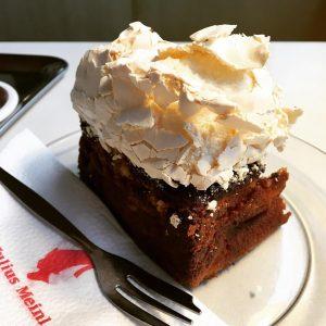First cake in Vienna 🍰 #austria #vienna #wien #austriancuisine #centraleurope #eurotrip #dessert #foodporn #foodlovers #foodie #igfood #foodstagram...