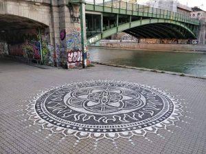 Franzensbrücke, 1020 Artist: @niceeguyy www.viennamurals.at Blog / Online Map / Book #mural #murals #viennamurals #streetartguidevienna #streetart #wien...