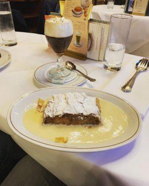 #wien #irishcoffee #applestrudel #winterfood