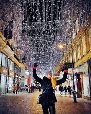 Shining Vienna 💡 😊 . . #wien #vienna #vienna_city #viennanow #viennagram #vienna_austria #igersvienna #igersaustria #vienna_online #getvienna #feelaustria...