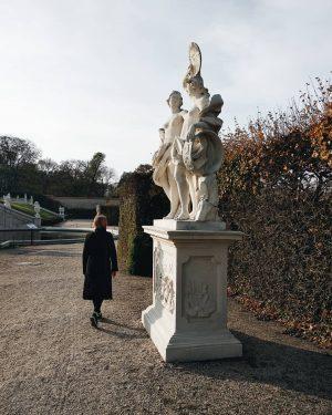 #austria🇦🇹 #belvedere #belvederemuseum #wien #igers #autumn #🍁 #statue #palace #instamoment #instagram #likesforlikes #igersvienna #l4l #likes #instalike #instafollow...