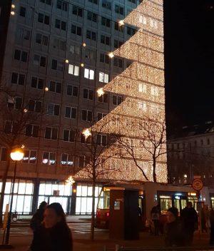 VIENNA/ SCOTTENRING . . . . . . . . . . #goodeveningvienna #schottenring #ringturm #xmasvienna #weihnachten2018...