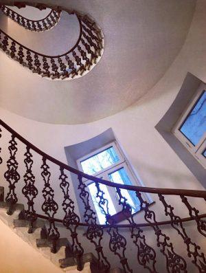 #mariatreugasse #stiegenhaus #staircase #josefstadt #igersvienna #achterbezirk #zehnachtzig