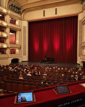 For certain one of the best places on this planet when it comes to opera. 😍 But...