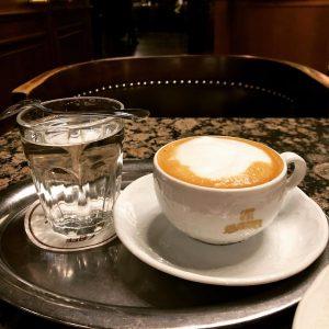 Time flies!One year ago today Vienna オーストリア ウィーン ・ Café Schwarzenberg カフェ・シュヴァルツェンベルク) ・ ホテルのお向かいにあるカフェ ・ #ウィーン #カフェ...