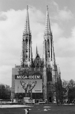 • Mega Ideen I.III—18 • Good Times In Vienna • #35mm #35mmfilm #35mmfilmphotography #film #filmphotography #thefilmcommunity #theanalogueproject...