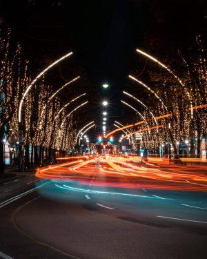 The most wonderful time of the year 😍🤩 . . . . . . #viennawurstelstand #igersvienna #ViennaGoForIt...