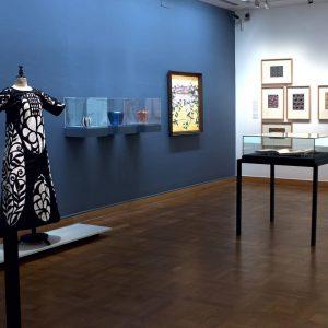 Eine Sonderstellung in der Auseinandersetzung mit Japanischer Kunst nimmt Wien bereits seit der Wiener Weltausstellung 1873 ein,...