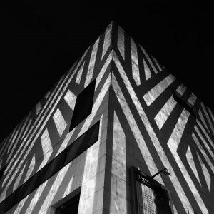#viennanoir #photography #blackandwhite #blackandwhitephotography #bw #mq #museumsquartier #leopoldmuseum #winterimmq #vienna #wien