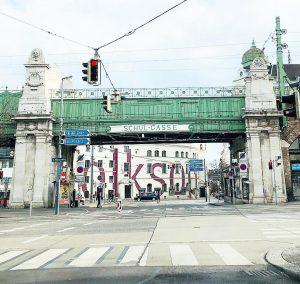 #wien #vienna #austria #wonderlustvienna #igersaustria #igersvienna #wienstagram #viennablogger #viennastravel #photooftheday #wienliebe #austrianblogger #viennamood #brücke #viennatouristboard #ottowagner #wienmalanders...