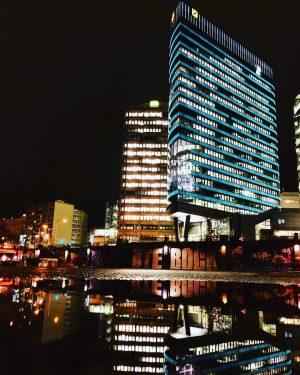#vienna #architecture #colour #skyscraper #glassandsteel #light #lights #running #runningman #dinaukanal #wien #thisisvienna #utebock Schwedenplatz
