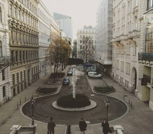 #rahlstiege #museumsquartier #mariahilferstrasse #wien #vienna #austria #österreich #visitvienna #visitaustria #welovevienna #wienstagram #igersaustria #igersvienna #streetsofvienna #cityphotography #streetphotography #europe...