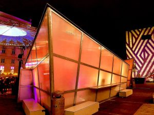 MQ X-Mas #mq #museumsquartier #xmas #xmasinvienna #winterlicht #winterhimmel #stadtwien #viennasightseeing #punsch #glühwein #christmas #weihnachten #bestseasonoftheyear #winterchild #lovewinter...