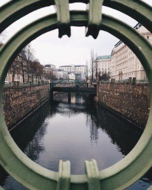 #perspektivenwechsel auf die Wien, aufgenommen von @hejphil - Danke!⠀ ⠀ #wienliebe #wienstagram #wieneralltag #vienna #austria #igersvienna #wien...