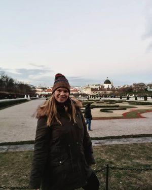8.Dezember 🎄🙋🏼♀️ . . . . . . #austria #igersaustria #ig_austria #austriabloggers #vienna #igersvienna #ig_vienna #viennabloggers #wien...