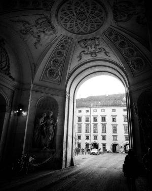 #bnw_society #picoftheday #blackandwhite #vienna #blackandwhitephotography #wien #blackandwhitephoto #austria #bnw #viennanow #blackandwhiteonly #igersvienna #bw #vienna_city #instagood #igersaustria #blackandwhite_perfection...