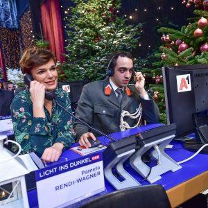 Schöne Feiertage und ein herzliches Danke an alle, die heute arbeiten müssen! Ich wünsche euch frohe Weihnachten...