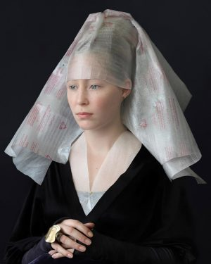 Another moment from 'Veiled, Unveiled! The Headscarf'. ✨ Does it remind you of something? Suzanne Jongmans' 'Mind...