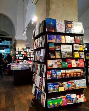 MQ - Vienna 📚 ▪️ ▪️ ▪️ ▪️ #mq #museumquartier #wien #vienna #library ...