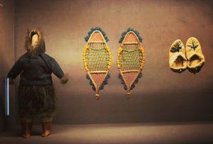 Inuit Barbie, um 1900 #spitzmausmummyinacoffin #khm #wesanderson #jumanmalouf #cabinetofcuriosities #sundayartday @andrejkrcho
