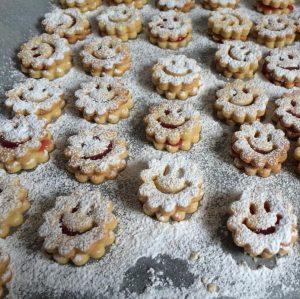 Heute wird schon wieder gebacken! #kekse #weihnachtskekse #backenmachtglücklich #backen