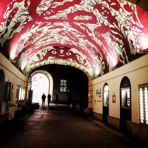 Hallo Wien! #museumsquartier #wien #spazieren #urlaub #kunst #schöneeckeentdeckt #vienna #allistart #arteverywhere #beautifulcity Museumsquartier Halle E
