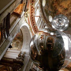 Christmas in Vienna ☺️🎄🥰#vienna #christmas #karlskirche #wien #aeroscene #sustainability #climbingthechurch Karlskirche