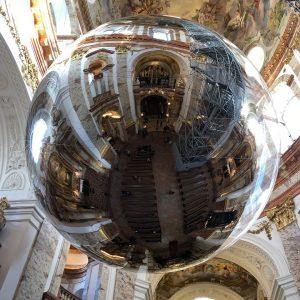 Happy Holidays Everybody! Best exhibition on Christmas Eve in Vienna. @studiotomassaraceno #Joytotheworld #thelordhascome #holy #christmas Karlskirche