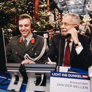 ☎️ Weihnachtlicher Telefondienst am #LichtinsDunkel-Spendentelefon. Vielen Dank für die zahlreichen Anrufe und die Unterstützung! _______ #österreich #gemeinsam...