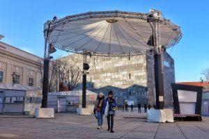 Museumsquartier Christmasnarket at daytime #wien#Vienna#vienna_city#viennanow#vienna_austria#igersvienna#igersaustria#onlinevienna#getvienna#feelaustria#topviennaphoto#wonderlustvienna#welovevienna#viennastravel#wienstagram#wientourismus#stadtwien#viennatouristboard#1000thingsvienna#visitaustria#travelphotography #viennatourist#triptovienna#ViennaGoForIt#viennablogger#stadtbekannt.at #museumsquartier #architecture #architecturephotography