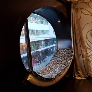 Viena pro iliuminatorių :) #hoteltopazz #vienna