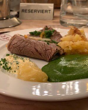 Mon plat préféré en Autriche. Le tafelspitz. Un peu le principe du pot au feu. J'adore! #österreich🇦🇹...