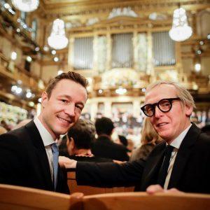 Frohes neues Jahr vom #Neujahrskonzert! Mein Gast ist Paul Dujardin, Direktor des @bozarbrussels! Das #Konzert der @viennaphilharmonic...