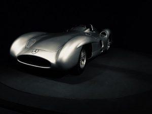 Mercedes W196. Samochód który wygrał 9 z 12 wyścigów Formula 1 w roku ...