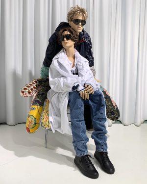 love scene #coat #jeans #hoodie #windbreaker #yproject #sunglasses #bernhardwillhelm #blacksneakers #fateeva #ss19 #newarrivals #ourhannelore #ourtoni #park_vienna #wien...