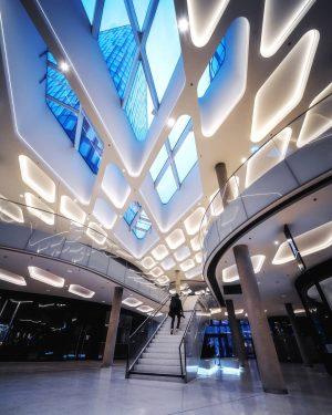 Modern Architecture - walkaround w/ @a_l_x_ender . . . . . . . . #igersvienna #igersaustria #hypebeast...