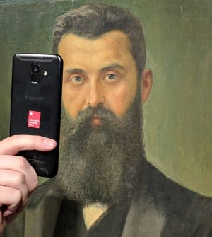Today is #museumselfieday. Who recognizes this handsome fellow from our museum? Share your ...