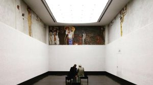 #tb #gustavklimt #klimt #beethovenfrieze #wien #artwork #artnouveau #gorgon #sickness #madness #death #lust #wantonness #wienersecessionsgebäude #secessionbuilding #austria ##art...
