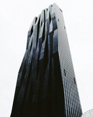 якби Бетмен жив у Відні - DC Tower 🖤 . . . #artofvisuals ...